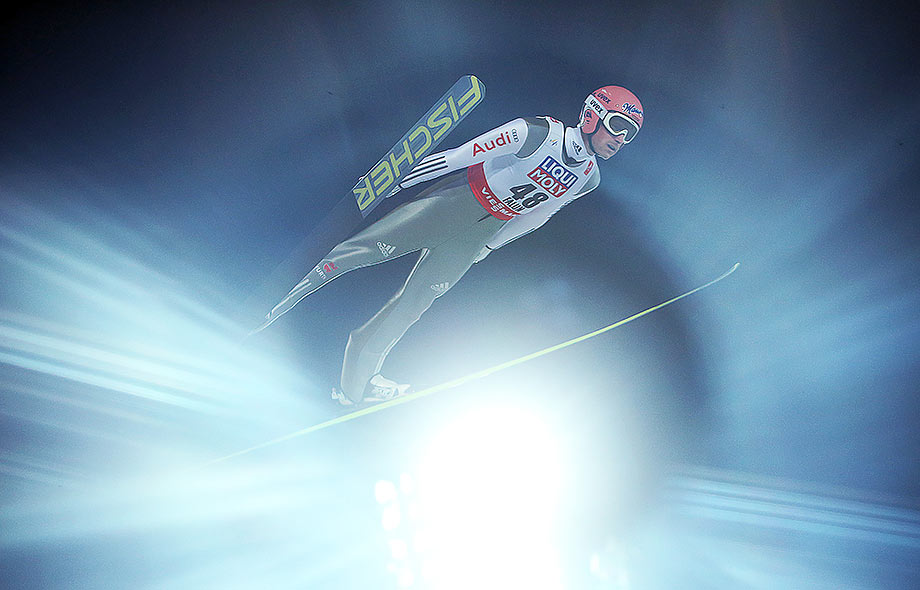 Ski jumper Severin Freund soars through the air to his gold medal in Falun © Fredrik von Erichsen/dpa